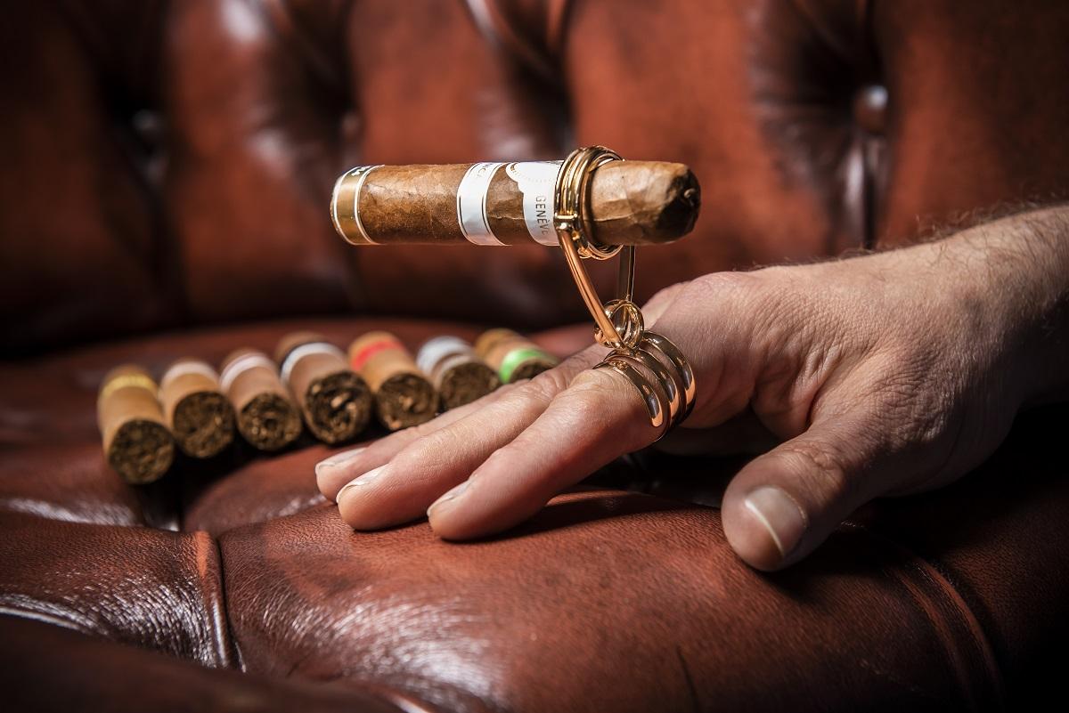Zigarrenhalter oder auch Zigarrenringe sind das ideale Geschenk für Zigarrenliebhaber.